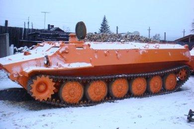 МТЛБ оранжевого цвета